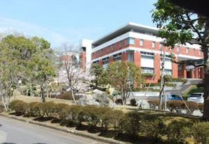 東京薬科大学の校舎