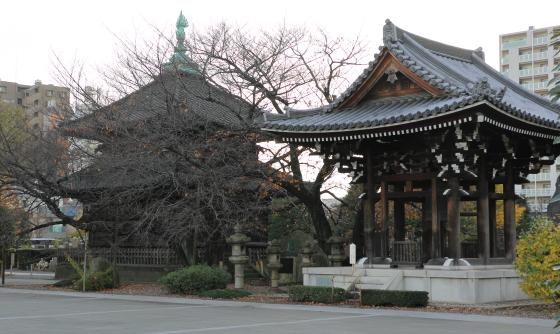 駒込吉祥寺の鐘楼