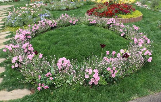 里山ガーデンの春の風景
