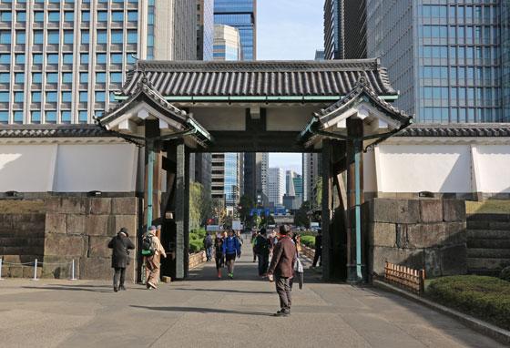 皇居 大手門の内側